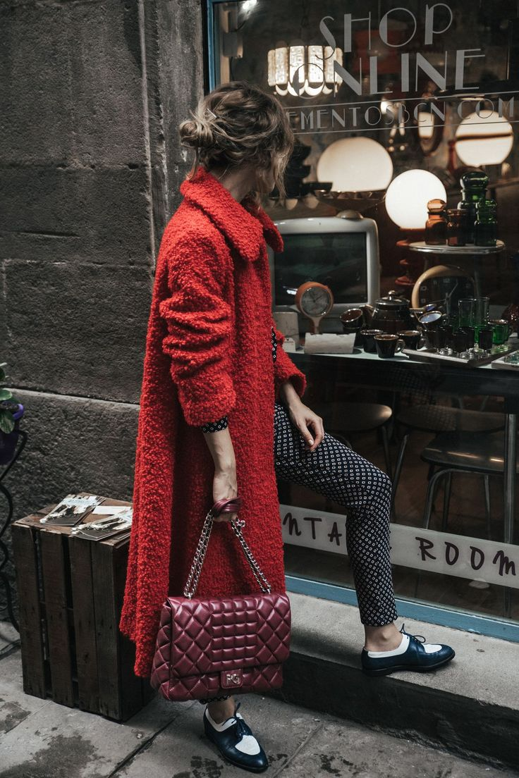 dansvogue purificacion-garcia-bolso-abrigo-rojo-zapato-chanel-barcelona-back-to-the-city-2-compressor