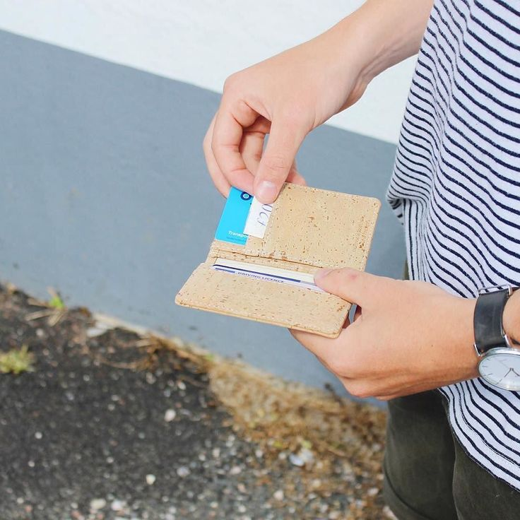 Out and about with the #corkwallet. ( by @ben_lamb )