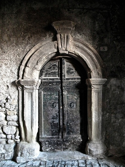 #Romanesque door - in the village of San Vito Romano, Lazio, Italia. #medieval #Italy