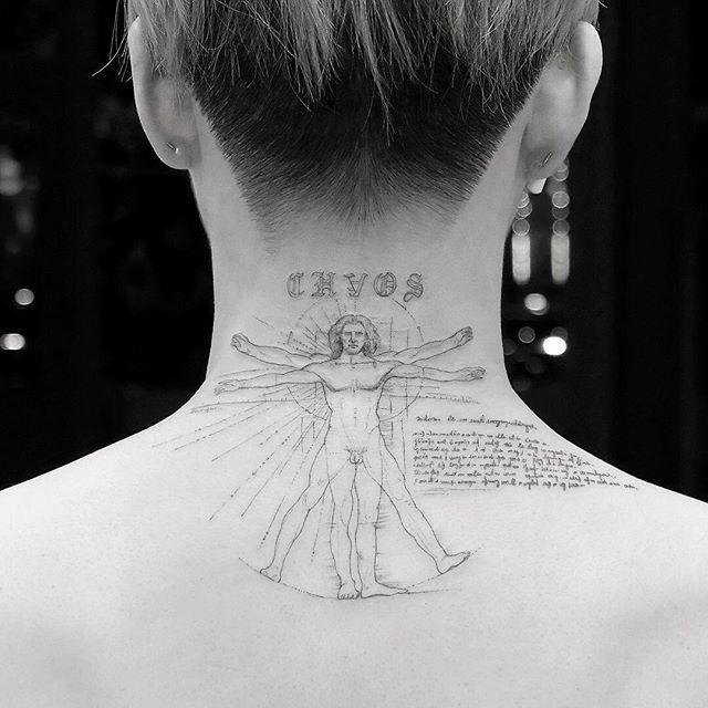 Hand Tatuaje Hombre De Vitruvio Hombres Tatuajes Tatuajes Para Hombres