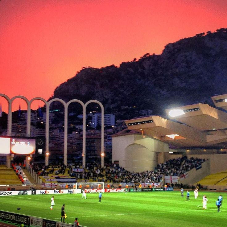 #Fontvieille Cette #photo juste pour la #beauté du #ciel #cielo #sky #skyporn #football #footballgame #calcio #soccer #soccergame #euopaleague #asmonaco #hotspurs #asmtot #stade #stadelouis2 #estadio #stadium #stadio #red #rougeetblanc #daghemunegu by pit_oresque from #Montecarlo #Monaco