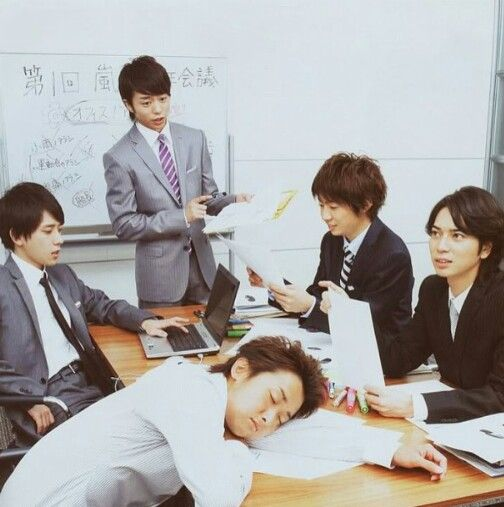 Arashi♡ Of course Leader's asleep. haha