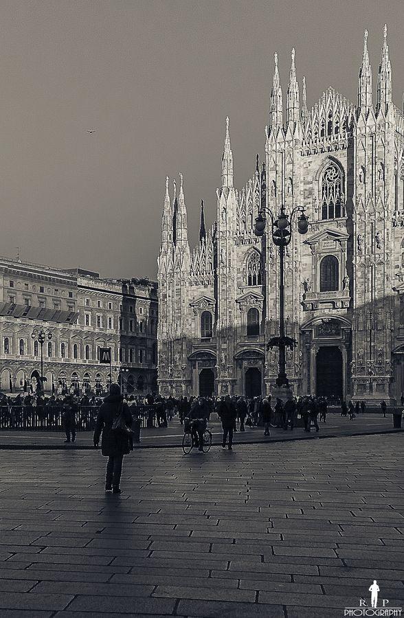 Milano - Piazza del Duomo. Milan, Italy