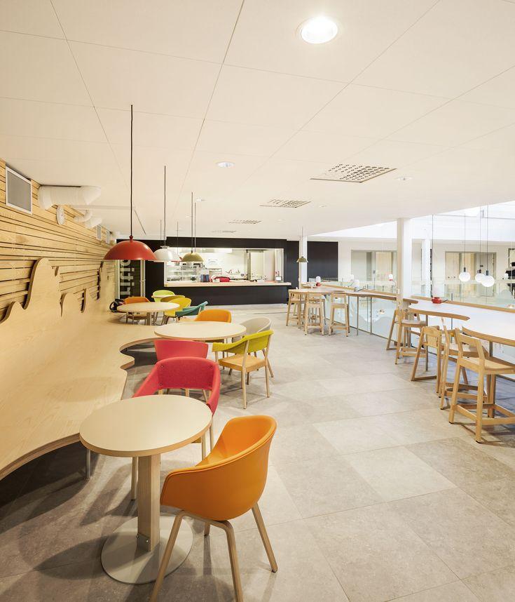platsbyggd soffa  ark kontor werket Café Sävja Kulturcentrum