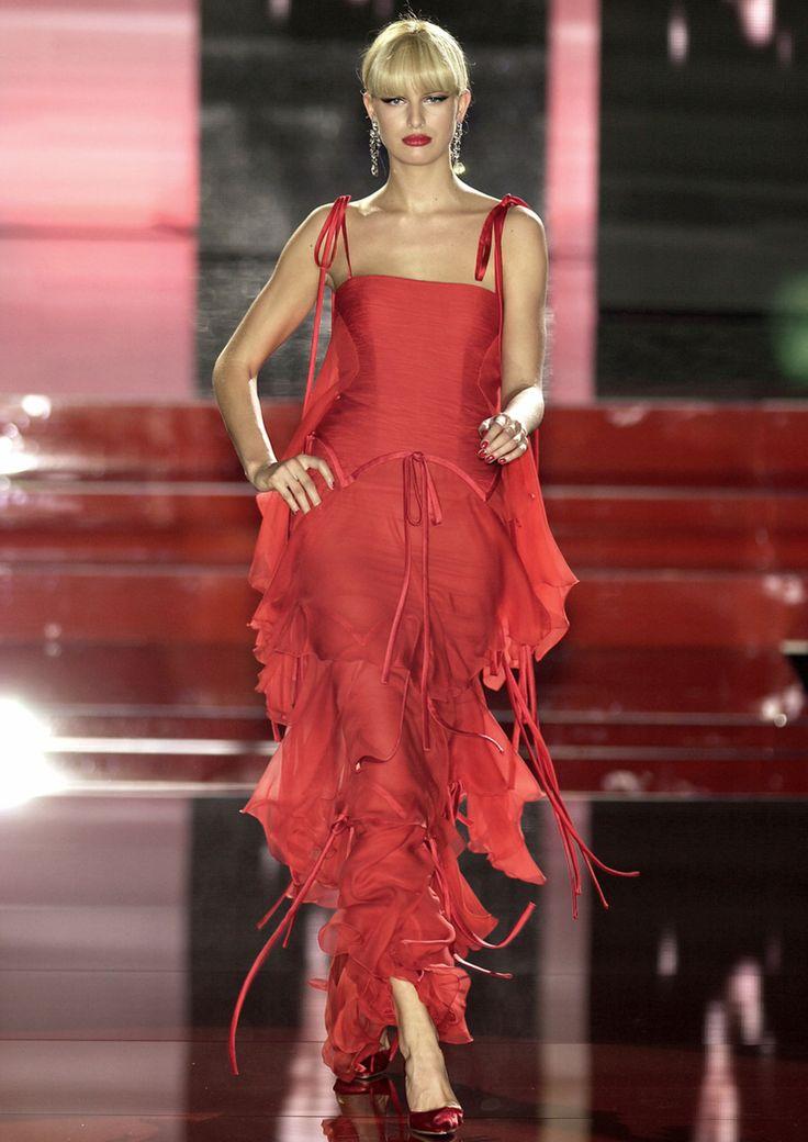 hautekills:    Valentino haute couture f/w 2003