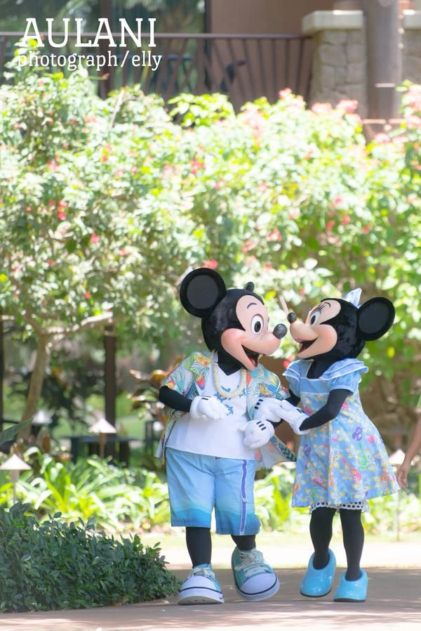 Mickey & Minnie enjoying a walk at Disney's Aulani Resort & Spa