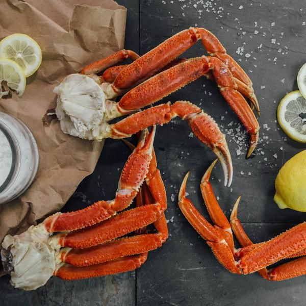 A variety of colors and tasteKing crab is, without a doubt, the most decadent and mouth-watering crab available. Seafood lovers around the world salivate over the sight of a plate piled high with colossal Alaskan king crab legs, no ma...