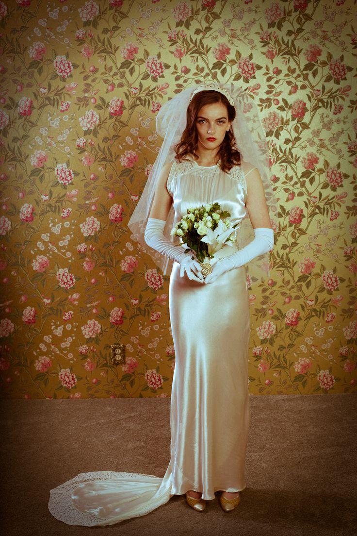 169 best 1940s wedding ideas images on pinterest vintage for Portland wedding dress shops