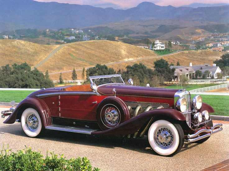 1932 Duesenberg - Model SJ Convertible    Cars just don't look this good anymore.