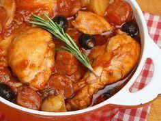 paprika, chorizo, poivre, tomate, cuisse de poulet, oignon, ail, sel, olive noire, vin blanc, poivron