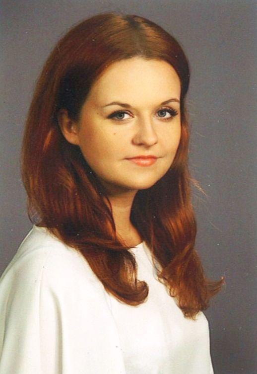 Dziś chwalimy się, że do naszego zespołu dołączyła Paulina! Poznajcie ją!  Radomianka, od 5 lat zakochana w Warszawie. Skończyła bezpieczeństwo Wewnętrzne na Uniwersytecie Warszawskim, więc czujemy się bezpieczni. Doświadczenie sprzedażowe zdobywała w wydawnictwie Edipresse. Energiczna i radosna – uwielbia fitness i zumbę. Lubi podróże, odkrywanie nowych miejsc. W planach ma naukę hiszpańskiego, by bez skrępowania pojechać do Barcelony.