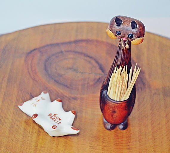 Check out this item in my Etsy shop https://www.etsy.com/ca/listing/548697877/gum-parker-cat-wood-cat-toothpick-holder