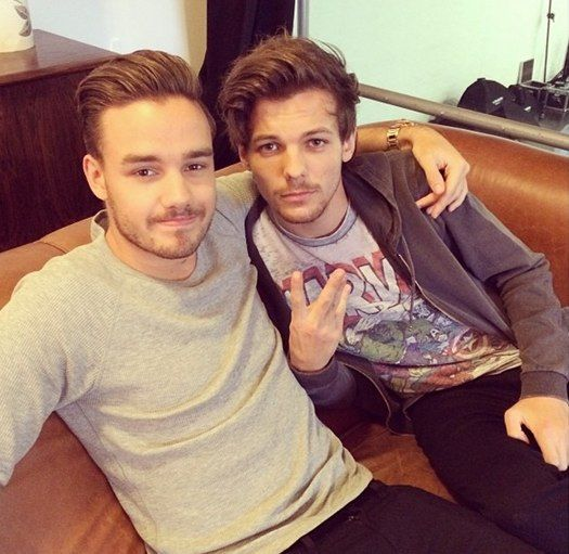   ONE DIRECTION LIAM PAYNE and LOUIS TOMLINSON BACK TOGETHER IN STUDIO !   http://www.boybands.co.uk