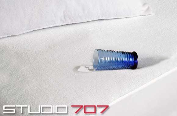 Copy of un couvre-matelas en tissu éponge imperméable