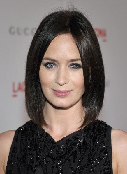 Emily Blunt Mid-Length BobBobs Haircuts, Blunt Hairstyles, Emily Blunt, Blunt Mid Length, Hair Style, Long Bobs, Blunt Bob, Mid Length Bobs, Shorts Hairstyles