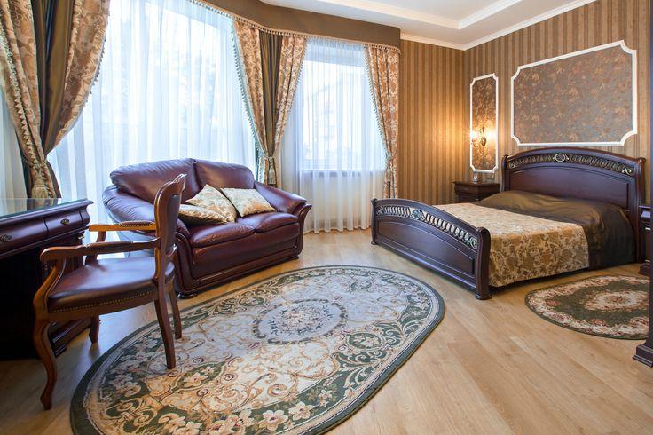Отель Кременчуга Helicopter. Номер люкс. Подробнее: http://www.hotel-helicopter.com/rooms/suite