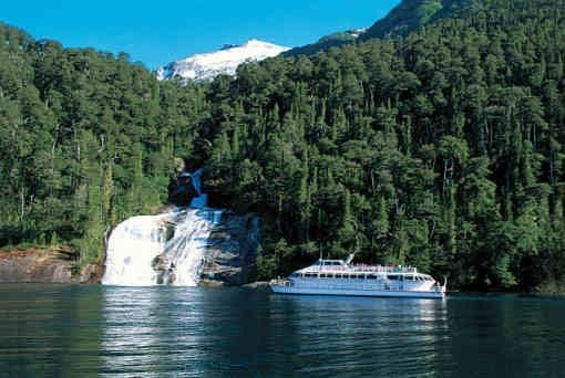 Lakes Crossing Chile-Argentina http://www.vivaexpeditions.com/south-america-tours/chile-travel/lakes-crossing