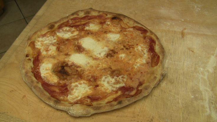 Pizza cotta in forno fatta in casa
