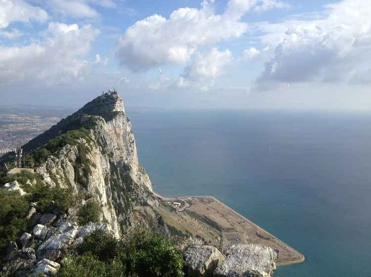 5 Places To Visit During Holidays in Gibraltar - http://thebesttravelplaces.com/5-places-to-visit-during-holidays-in-gibraltar/