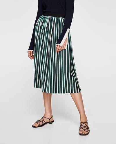 583fd0ff1 Mono combinado encaje | Outfit | Terciopelo, Plisado y Faldas