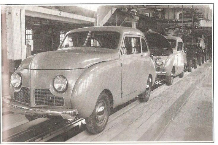 Crosley sedans coming off the line in 1946 at the crosley
