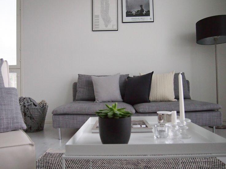 Lovely Hannas Home livingroom Hay Tray table