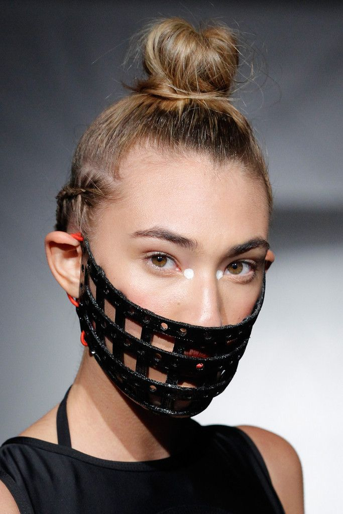 From 3D Printed Facemasks to 3D Printed Bra Cups – Chromat's SS15 Fashion Collection is Unique http://3dprint.com/14980/chromat-3d-printed-fashion/