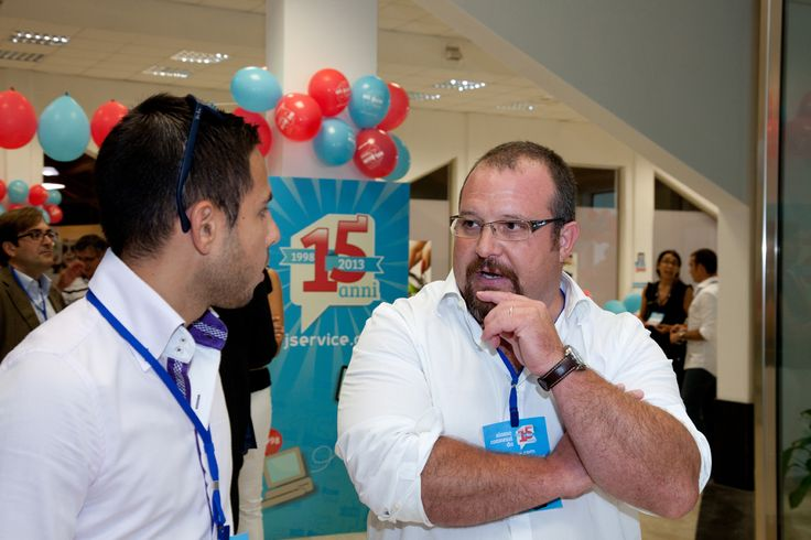 Josef Cigagna meets clients and friends during the workshop.