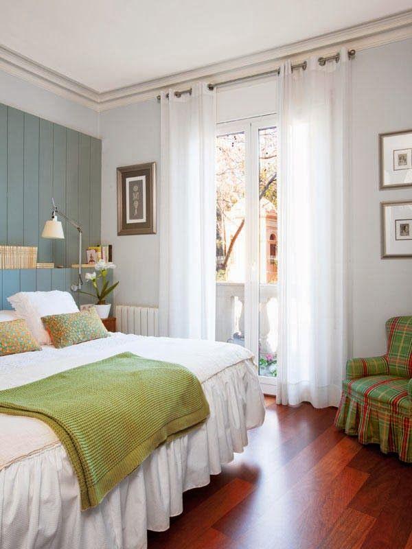 Jurnal de design interior - Amenajări interioare : Accente de roșu într-un apartament de 150 m²