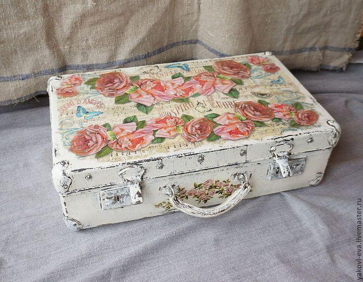 Декор старого чемоданчика. - бледно-розовый,чемодан,переделка,шебби шик