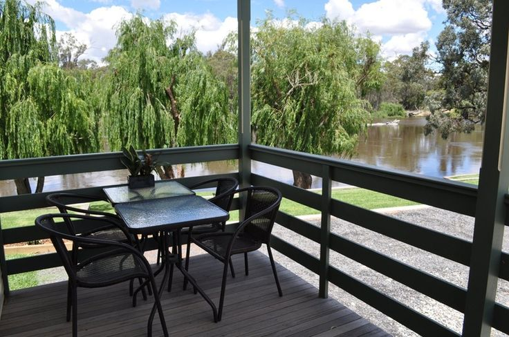 Euston Riverfront Caravan Park is on the Murray River with river frontage exclusively for use by park guests.     It is a family owned and o.