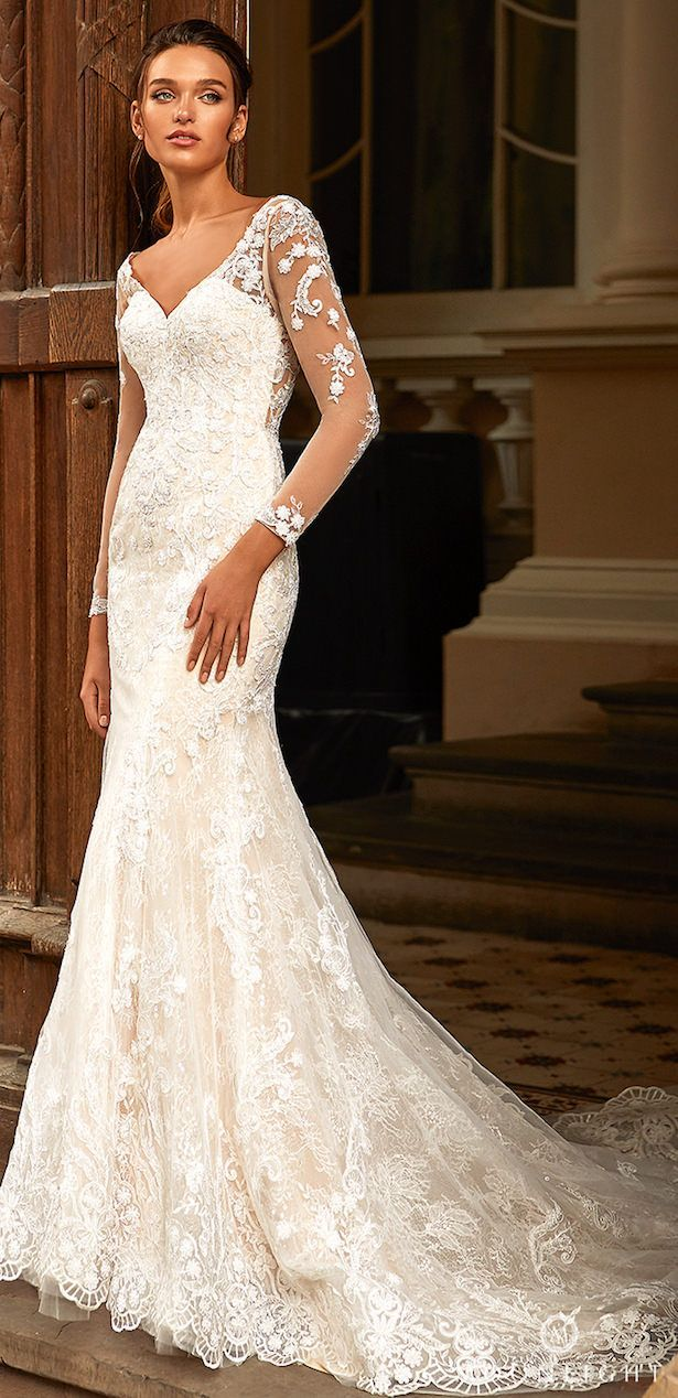 China Long Sleeves Bridal Gown Lace Bodice Simple Wedding
