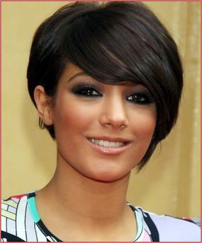 Short Hairstyles Round Face Di 2020 Rambut