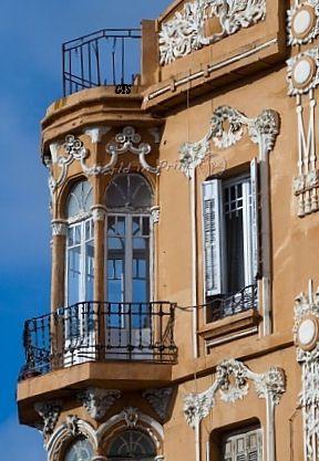 Edificio Art Nouveau en la Plaza de España de Melilla, Spain