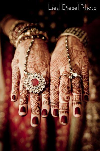 gold red green indian wedding jewelry henna hands manicure bride liesl diesel photo los angeles photographer