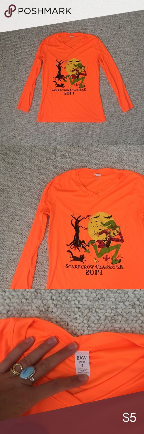 Scarecrow classic work out top NWOT never worn fluorescent orange fitted ladies S running / exersize top from the Lincoln Ma Halloween race Tops Tees - Long Sleeve