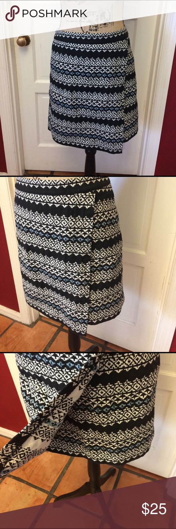 Pretty LOFT Aztec print skirt Pretty loft Aztec print skirt in excellent pre owned condition is a cotton polyester and rayon blend and is machine washable zippers in the back LOFT Skirts