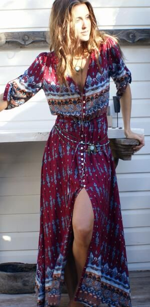 This Boho Slit Maxi Dress is perfect for holiday.Only $33.99&free shipping.Get your style at Romoti.com