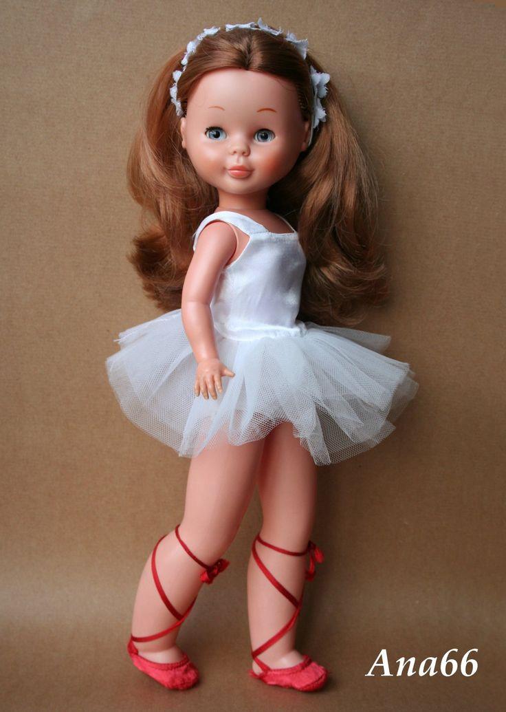 La habitación de Ana - A-C Se puede hacer un vestido similar haciendo un tutu de tul y un cuerpo a ojo sobre la muñeca
