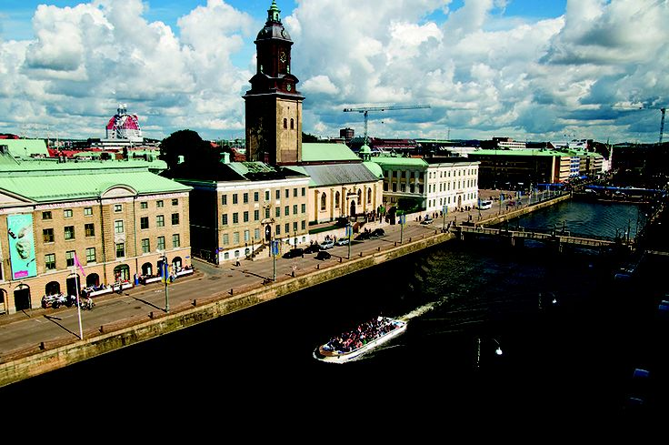 10 reasons to visit Gothenburg, one of the most beautiful cities in Europe with its canal cruises, gigantic amusement parks and art museums. www.skylife.com/en/