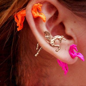 *Dainty, Unicorn earring*  These are so awesome! Especially because they seem to go through your ear. - LL