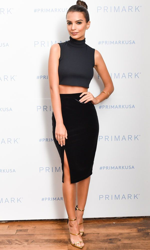 Emily Ratajkowski looked incredible as ever at the Primark USA, not wearing her usual designer brands but an $11 skirt from the high street brand.