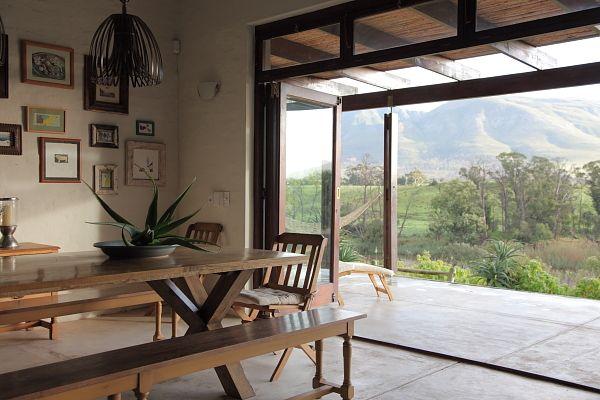 http://www.perfecthideaways.co.za/Details/Elephant-Hills