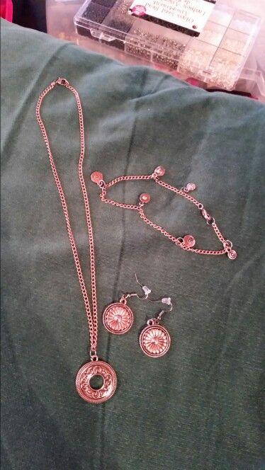 Matching necklace bracelet & earrings