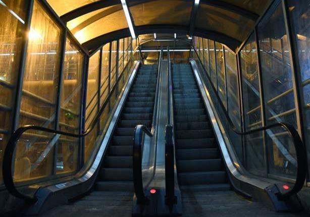 سلم كهربائى بشارع البحر لتسهيل حركة المشاه مدونة نيو طنطا Places To Visit Stairs Visiting
