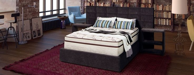 Спальня поможет поддерживать творческую энергетику, если ее оформить правильно. Книги, мольберты и, разумеется, освежающий сон на удобной кровати вдохновляют на создание шедевров.