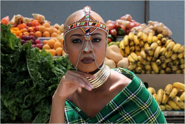 Actress and TV personality Ntando Duma gave off some major African Queen vibes in her photo shoot on the streets of Soweto.