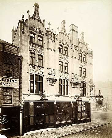 Rising Sun Public House, 46 Tottenham Court Road, 17 Dec 1897