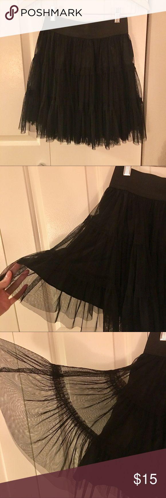 Black Tutu skirt Black Tutu skirt with elastic waist. Above the knee lenght Forever 21 Skirts Midi