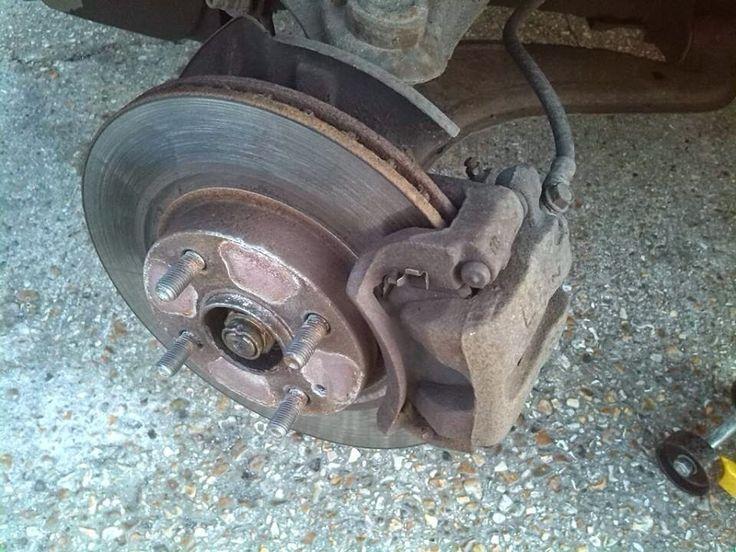Replacing Brake Pads and Discs (Rotors)